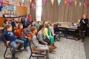 SCHOOL GOMPEL 3 (Medium)